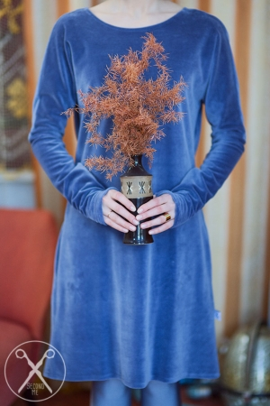 Light gray / bluish velvety dress | A/W 15/16 | Second ME | www.secondme.eu